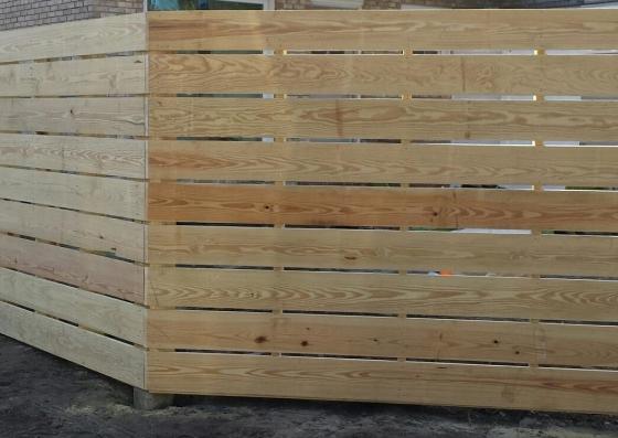horizontal fence for website